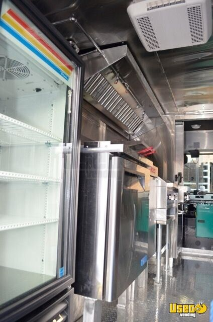 2005 Chevrolet P30 Workhorse Step Van Food Truck Prep Station Cooler Virginia Gas Engine for Sale - 11