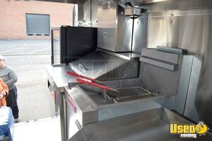 2005 Chevrolet P30 Workhorse Step Van Food Truck Steam Table Virginia Gas Engine for Sale
