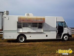 20' International Food Truck for Sale in Missouri!!!