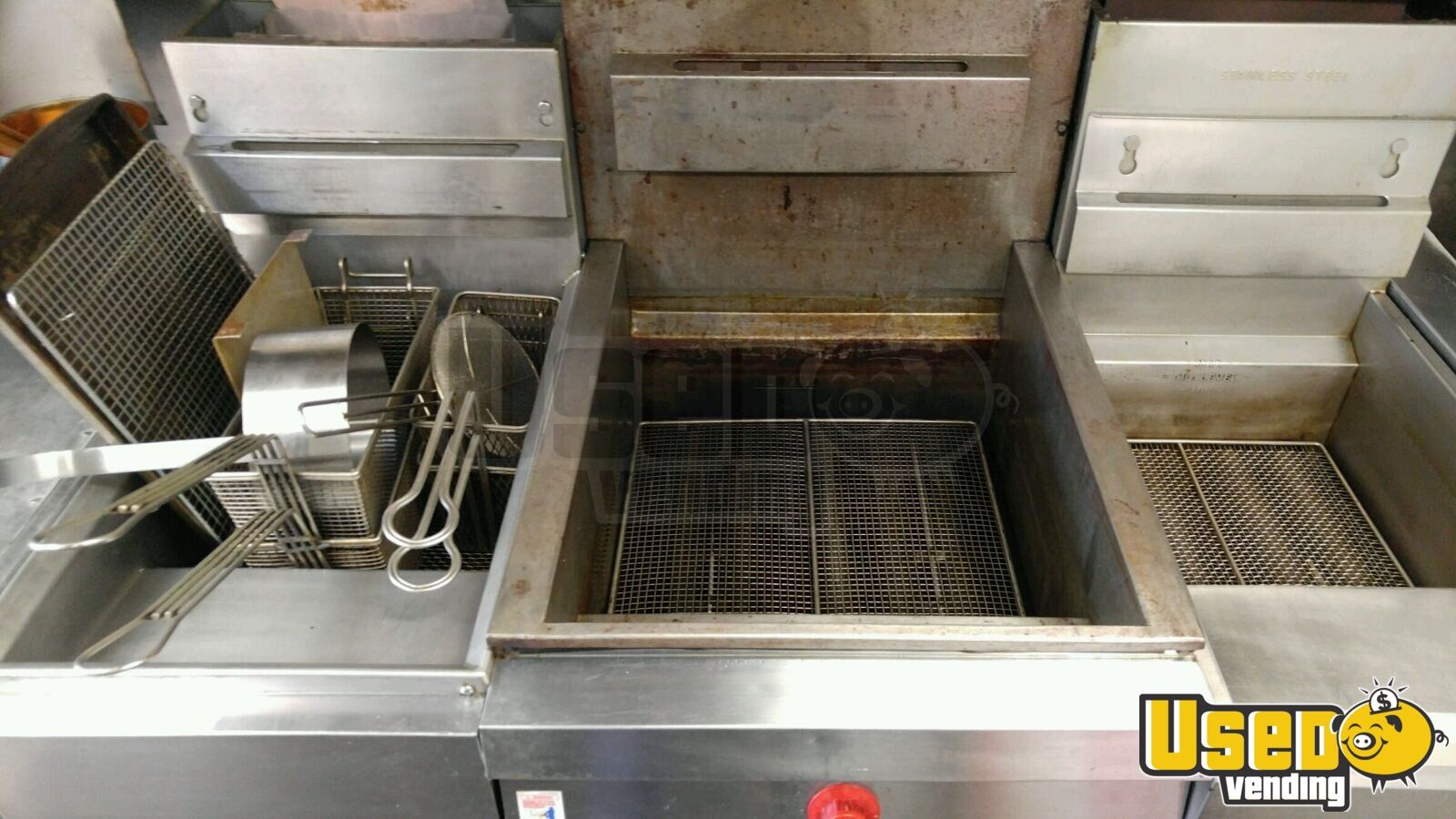 2005 Hallmark All-purpose Food Trailer Exhaust Fan Tennessee for Sale - 13