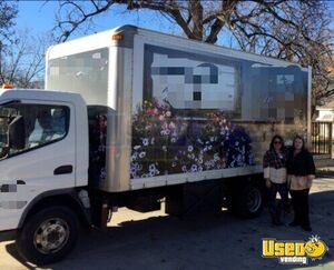 Mitsubishi Mobile Boutique Marketing Truck with Porch for Sale in Kansas!!!