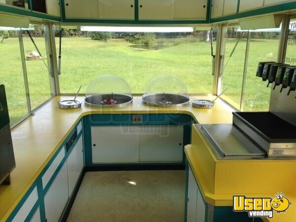 2005 Show Me All-purpose Food Trailer Interior Lighting Florida for Sale - 5