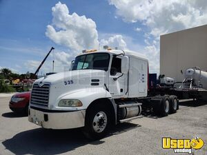 2005 Vision Mack Semi Truck 2 Florida for Sale