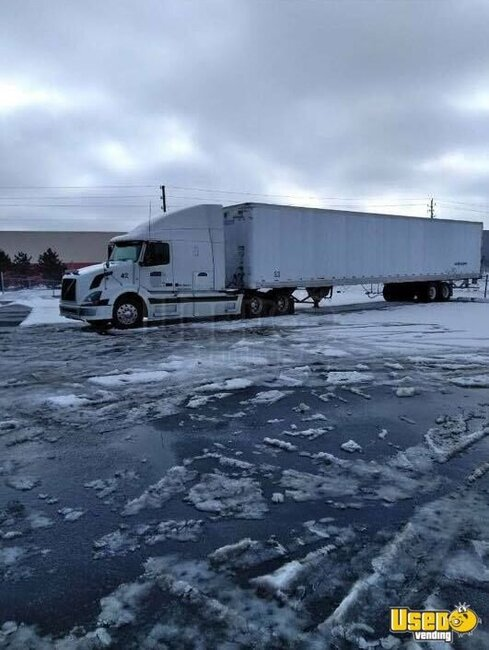 2005 Vnl Volvo Semi Truck Indiana for Sale