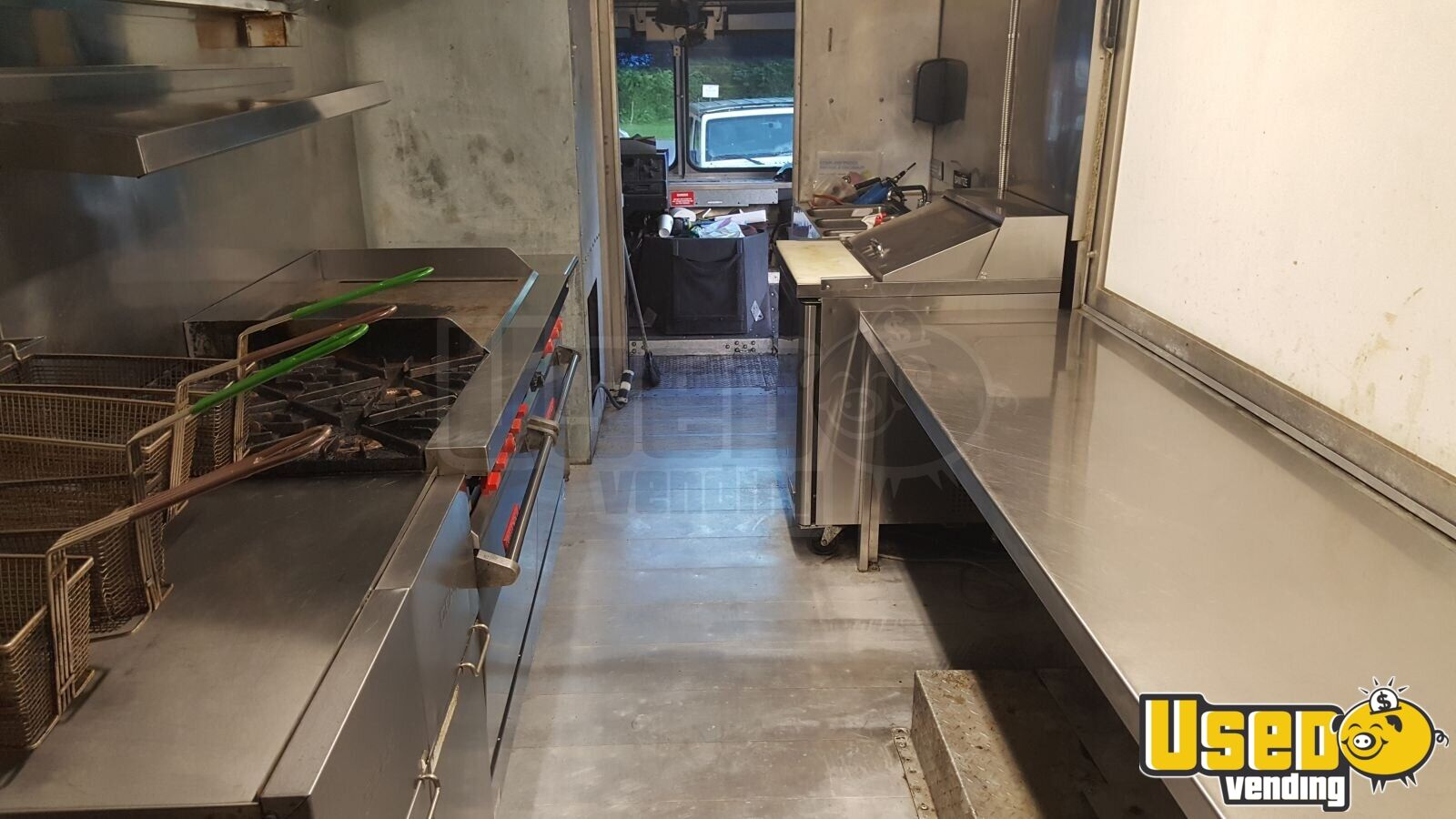 2005 Workhorse Custom Chassis Barbecue Food Truck Generator New York Diesel Engine for Sale - 9
