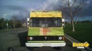 2005 Workhorse Food Truck Concession Window California Gas Engine for Sale