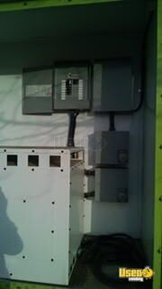 2005 Workhorse Food Truck Hot Water Heater California Gas Engine for Sale - 19