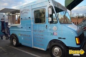2005 Workhorse P30 Step Van Kitchen Food Truck All-purpose Food Truck Concession Window Virginia Gas Engine for Sale