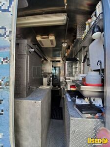2005 Workhorse P30 Step Van Kitchen Food Truck All-purpose Food Truck Water Tank Virginia Gas Engine for Sale