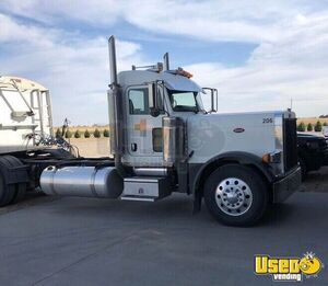2006 379 Day Cab Semi Truck Peterbilt Semi Truck 2 Nebraska for Sale