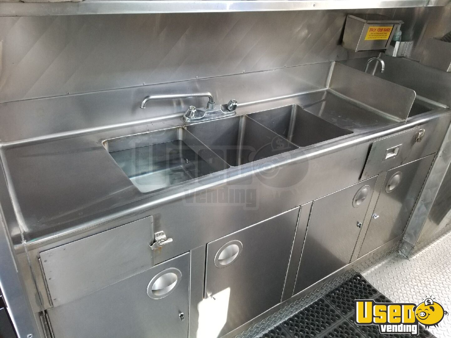 2006 Chevy Workhouse All-purpose Food Truck Chargrill California Gas Engine for Sale - 11