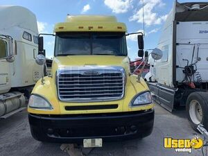 2006 Columbia Sleeper Cab Semi Truck Freightliner Semi Truck 2 Florida for Sale