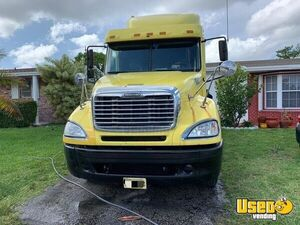 2006 Columbia Sleeper Cab Semi Truck Freightliner Semi Truck 4 Florida for Sale