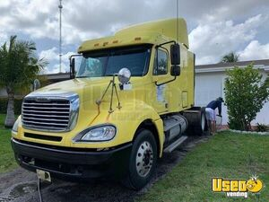 2006 Columbia Sleeper Cab Semi Truck Freightliner Semi Truck 5 Florida for Sale