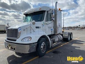 2006 Columbia Sleeper Cab Semi Truck Freightliner Semi Truck 7 Florida for Sale