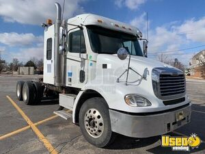 2006 Columbia Sleeper Cab Semi Truck Freightliner Semi Truck 8 Florida for Sale