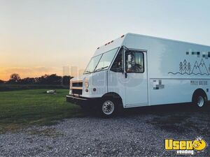 2006 E450 Mobile Boutique Truck Mobile Boutique Trailer Awning Illinois Gas Engine for Sale