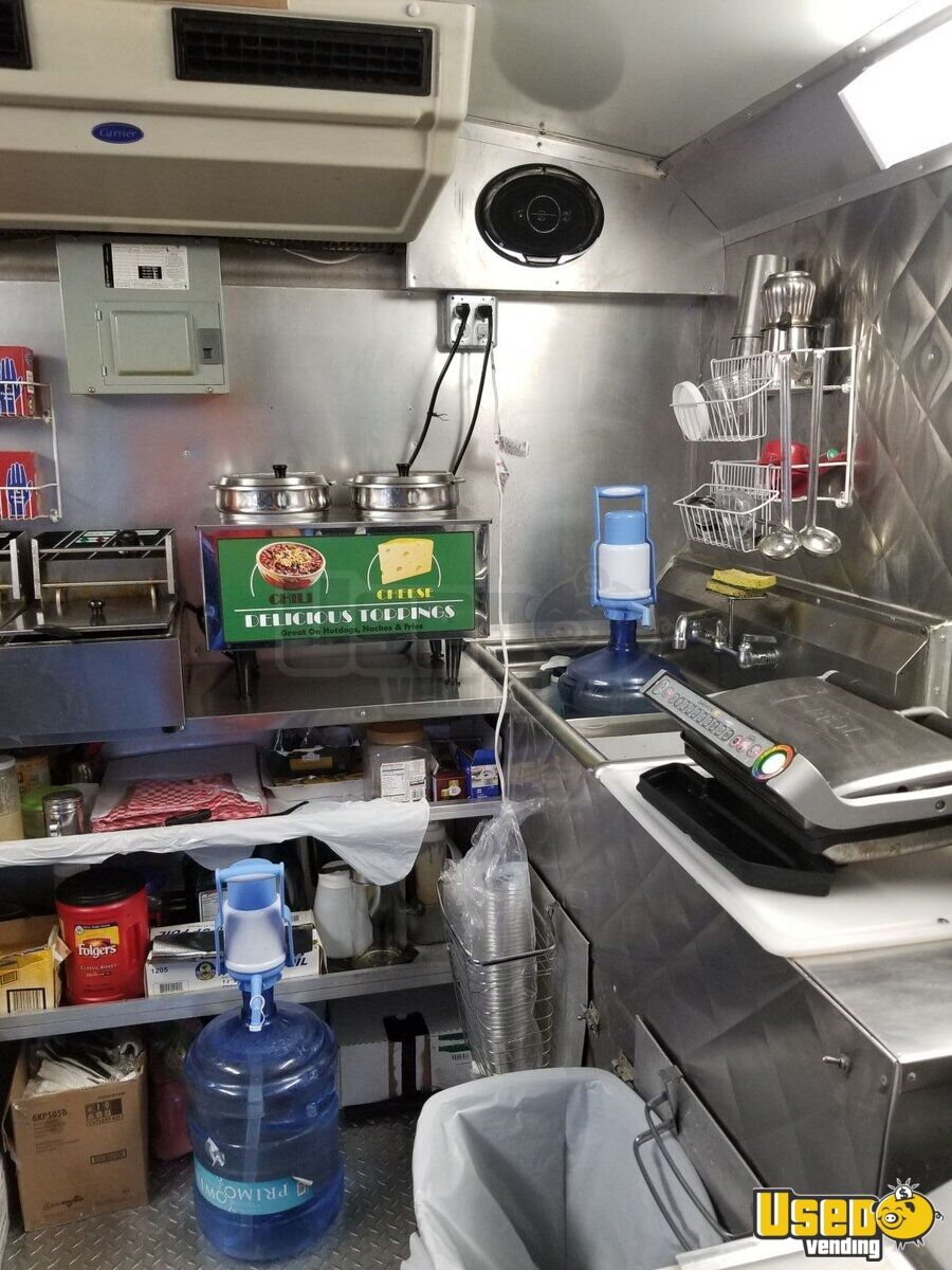2006 Ford E-350 All-purpose Food Truck Prep Station Cooler Texas for Sale - 11