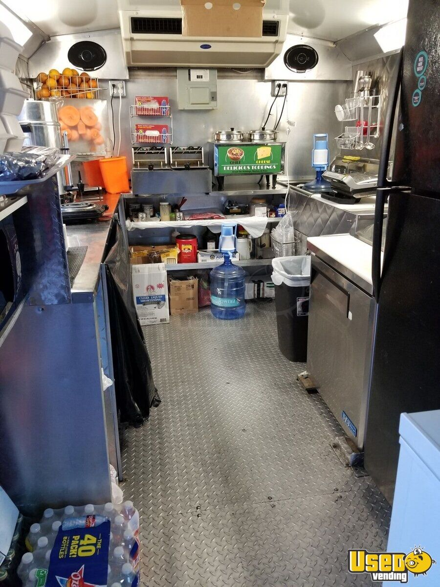 2006 Ford E-350 All-purpose Food Truck Surveillance Cameras Texas for Sale - 6