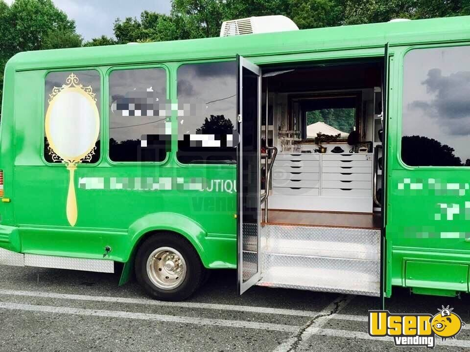 2006 Ford E450 Mobile Boutique Truck Air Conditioning North Carolina Gas Engine for Sale - 2