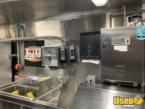 2006 Freightliner Mt45 Food Truck Stainless Steel Wall Covers Florida Diesel Engine for Sale