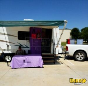 2006 Mallord Mobile Boutique Truck Air Conditioning Texas for Sale