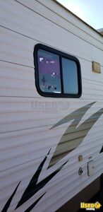 2006 Mallord Mobile Boutique Truck Cabinets Texas for Sale