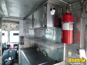 2006 Step Van Kitchen Food Truck All-purpose Food Truck Insulated Walls Texas Gas Engine for Sale