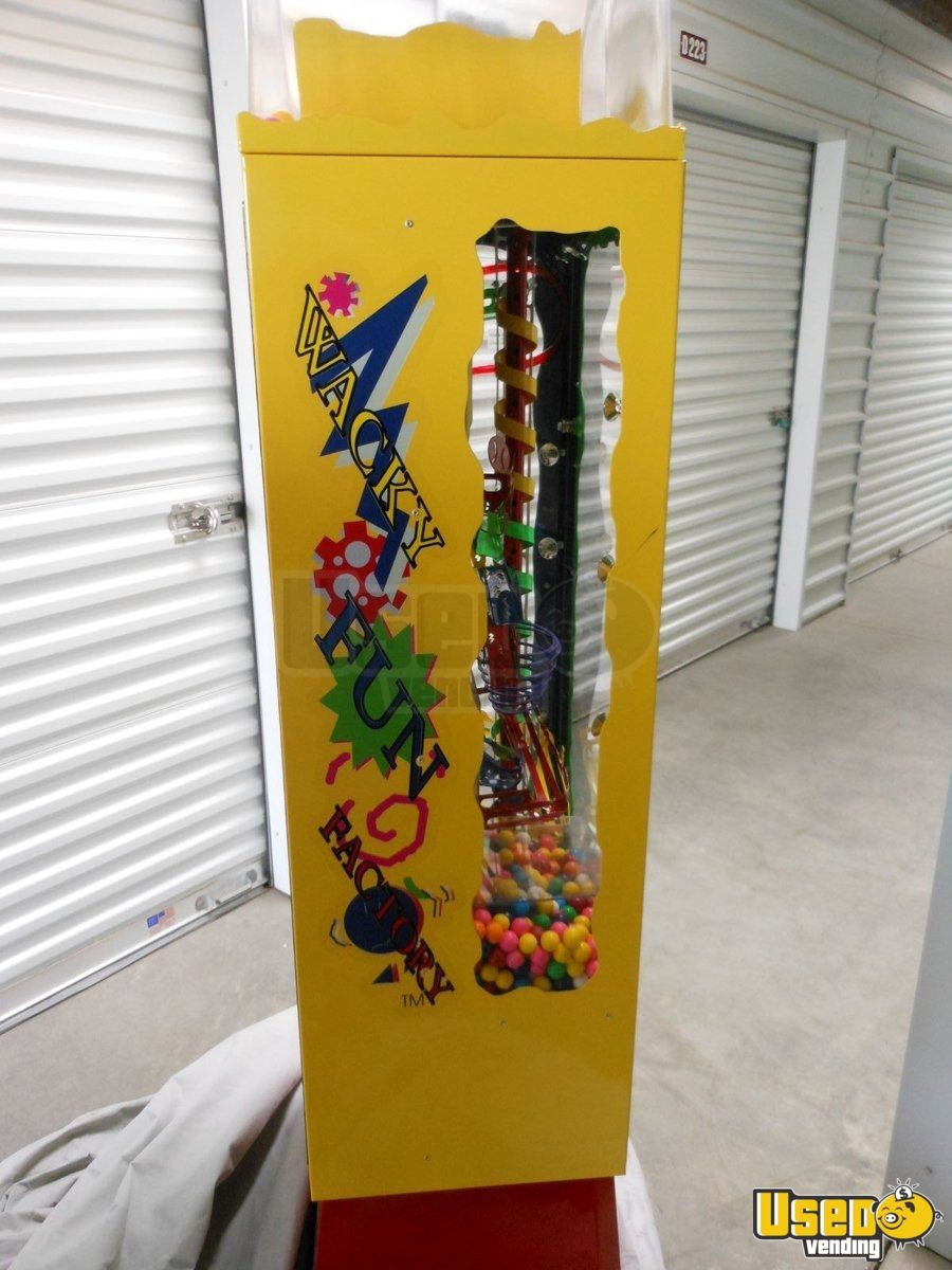 2006 Wacky Fun Factory - Super Wowie Zowie Large / Kinetic Gumball Machine 4 California for Sale - 4