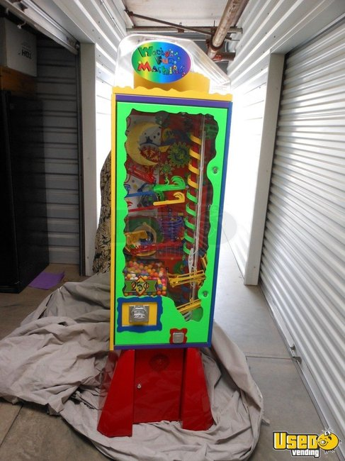 2006 Wacky Fun Factory - Super Wowie Zowie Large / Kinetic Gumball Machine California for Sale