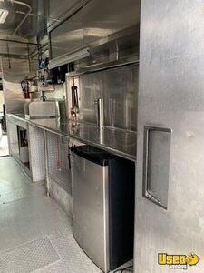 2006 Workhorse Kitchen Food Truck All-purpose Food Truck Exhaust Fan Pennsylvania Gas Engine for Sale