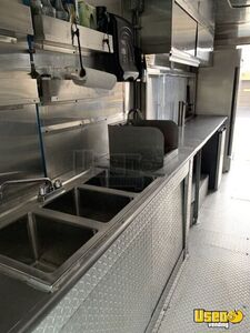 2006 Workhorse Kitchen Food Truck All-purpose Food Truck Work Table Pennsylvania Gas Engine for Sale