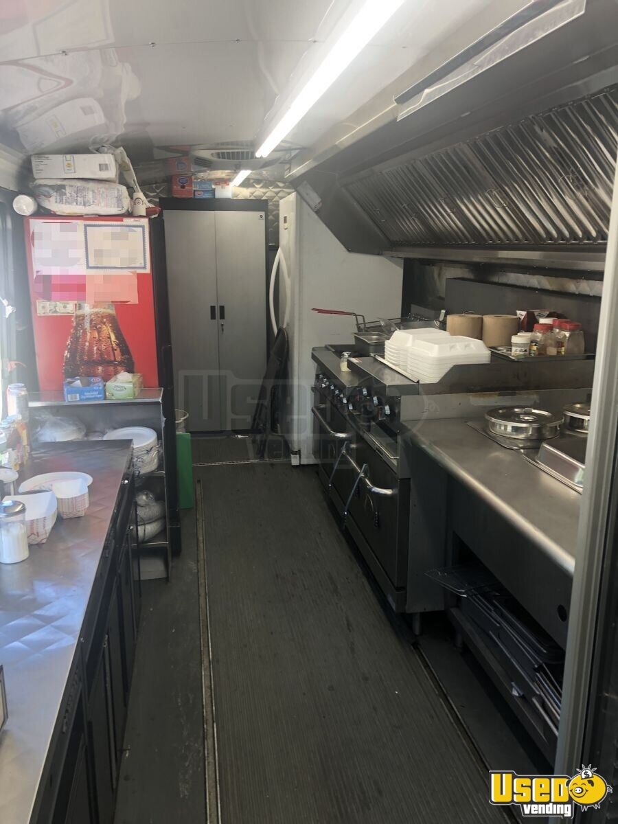 2007 320 Kitchen Food Truck All-purpose Food Truck Cabinets New York Diesel Engine for Sale - 4