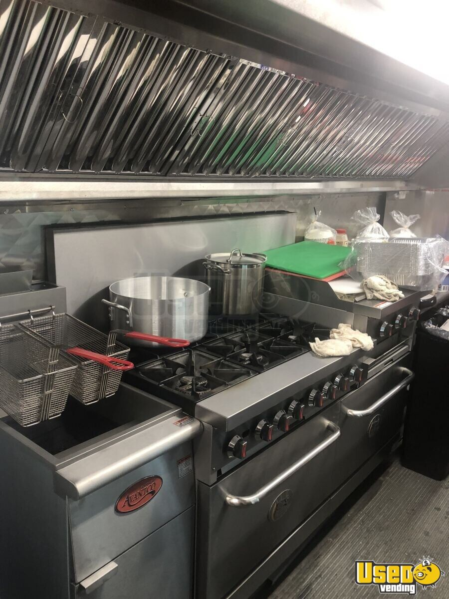 2007 320 Kitchen Food Truck All-purpose Food Truck Stainless Steel Wall Covers New York Diesel Engine for Sale - 5