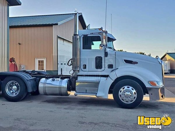 2007 386 Peterbilt Semi Truck South Dakota for Sale