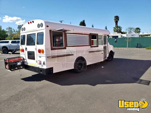 2007 Chevrolet Food Truck California Diesel Engine for Sale
