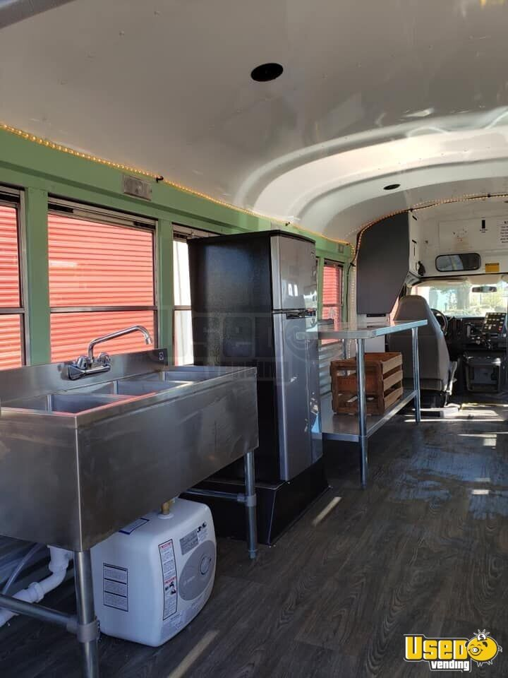 2007 Chevrolet Food Truck Refrigerator California Diesel Engine for Sale - 7