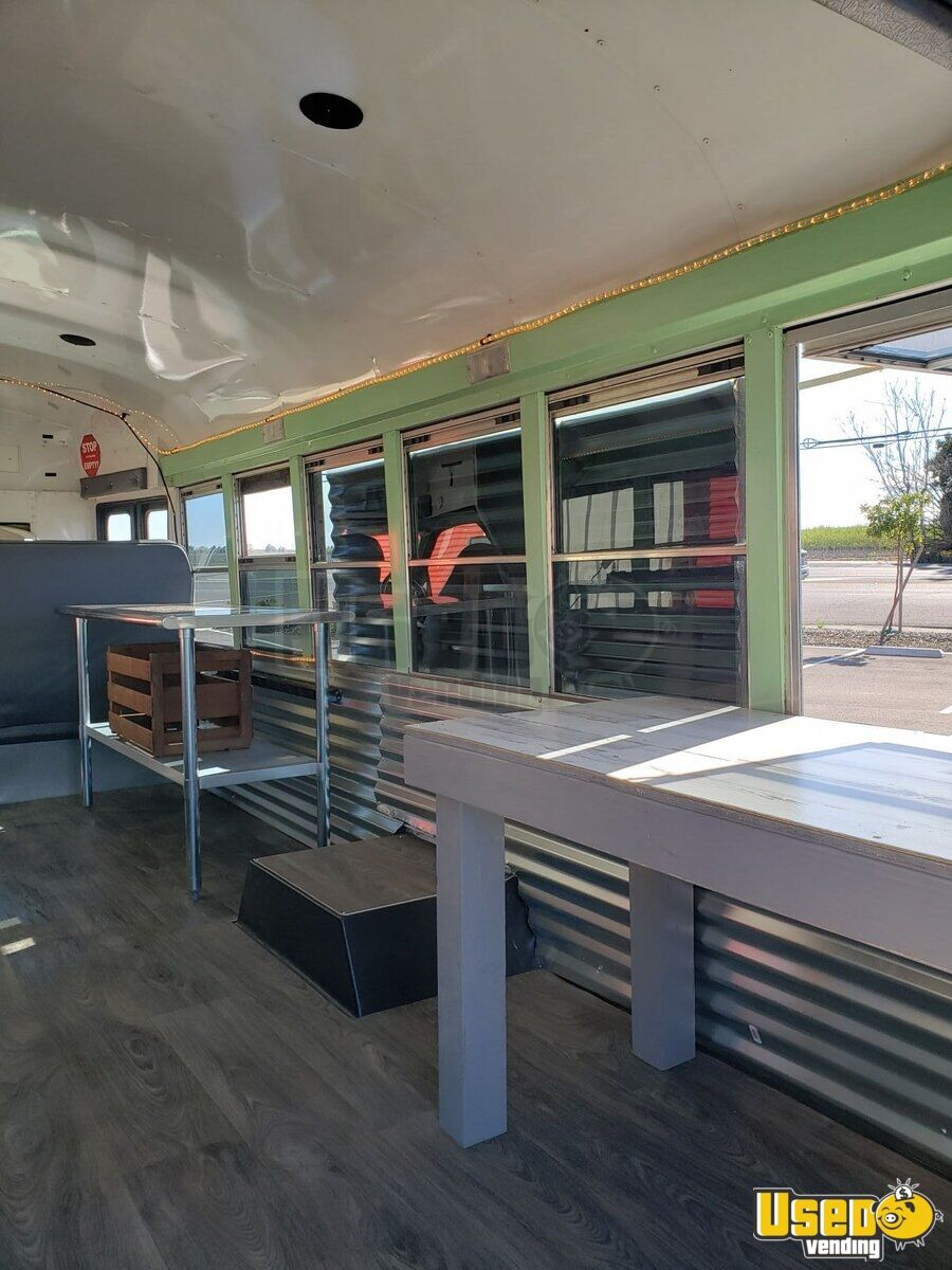 2007 Chevrolet Food Truck Work Table California Diesel Engine for Sale - 8