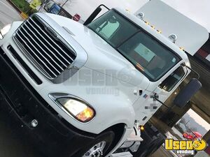 2007 Columbia Freightliner Semi Truck 3 Washington for Sale