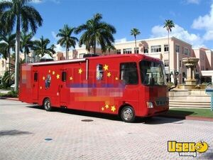 2007 Frieghtliner Custom Party / Gaming Trailer Air Conditioning Florida Diesel Engine for Sale