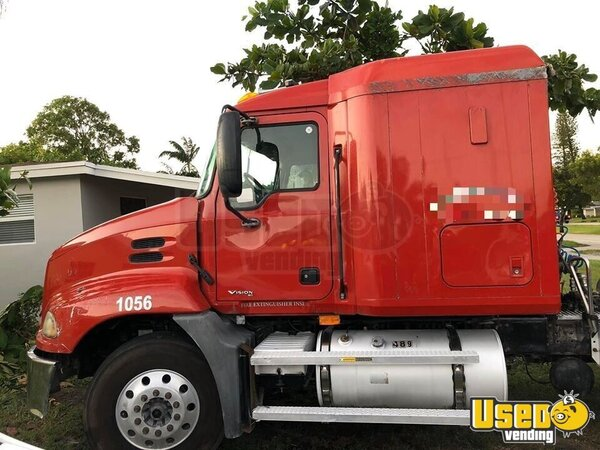 2007 Vision Sleeper Cab Semi Truck Mack Semi Truck Florida for Sale