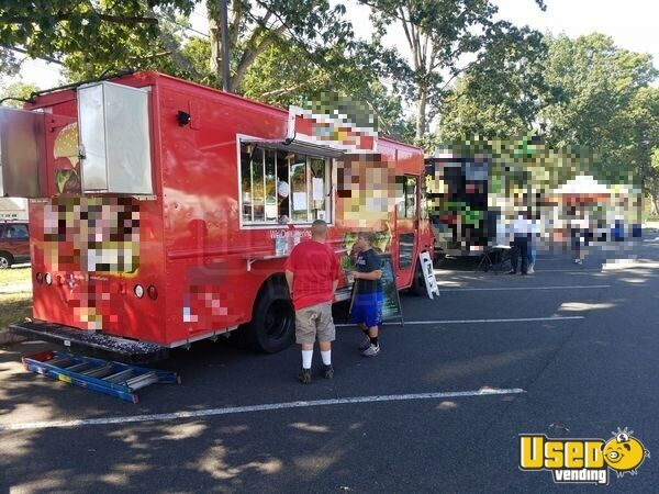 2007 Workhorse Kitchen Food Truck All-purpose Food Truck Insulated Walls New Jersey Gas Engine for Sale - 4