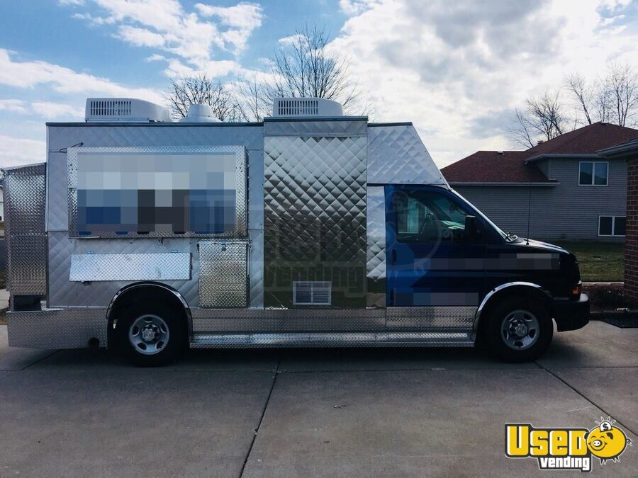 2008 Chevy Express G3500 Food Truck Concession Window Indiana Gas Engine for Sale - 3