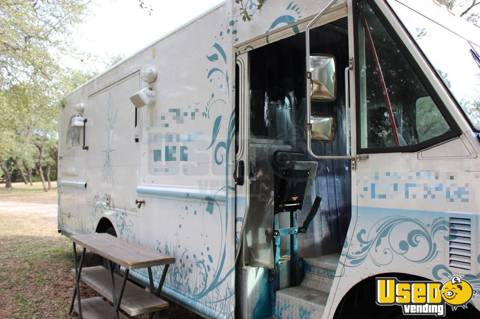 2008 Freightliner Mt-45 All-purpose Food Truck Stainless Steel Wall Covers Texas Diesel Engine for Sale - 4