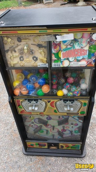 2009 Candy / Capsule Rack Vending Machine North Carolina for Sale