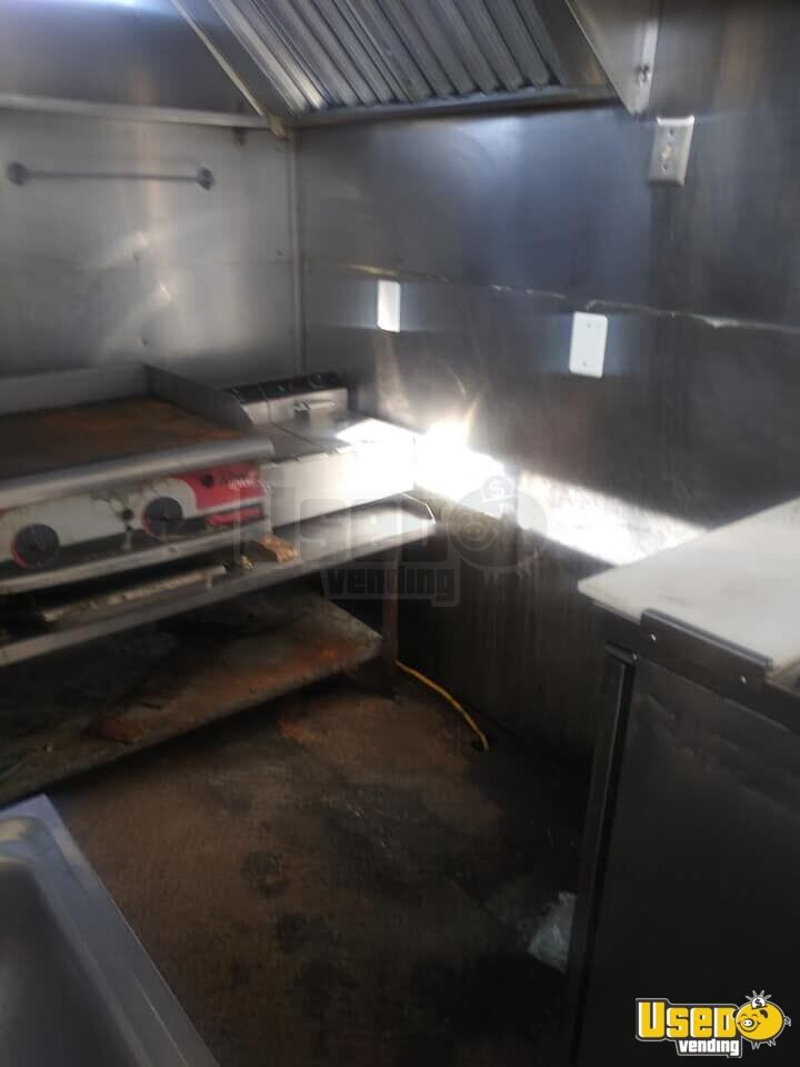 2009 Kitchen Food Trailer Fryer Texas for Sale - 8