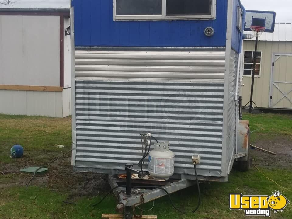 2009 Kitchen Food Trailer Prep Station Cooler Texas for Sale - 5