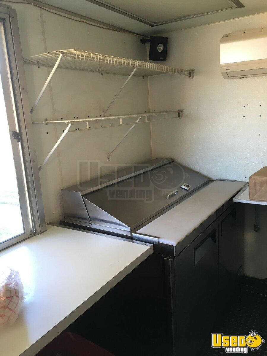 2009 Wells Cargo All-purpose Food Trailer Fryer Texas for Sale - 14