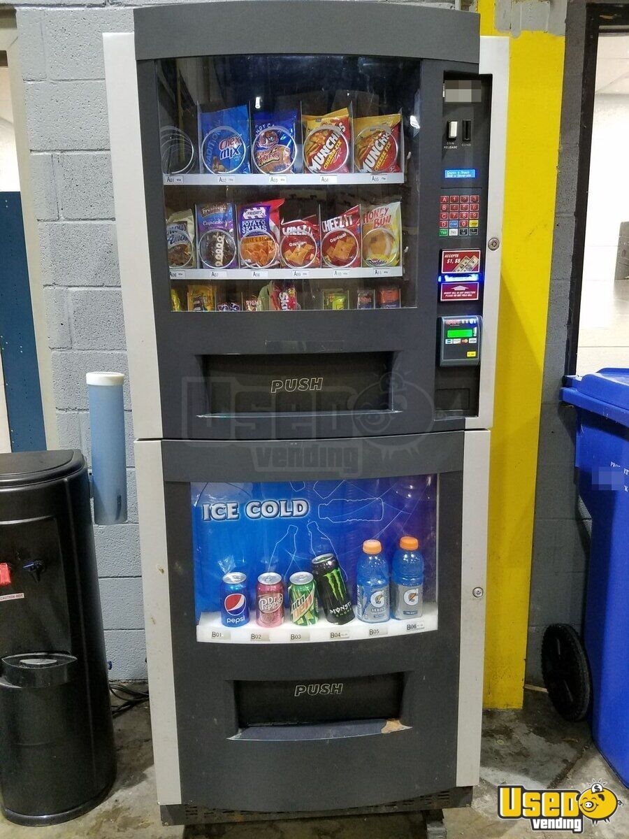 1-800-Vending RS-800/850 Combo Vending Machine for Sale in North Carolina!