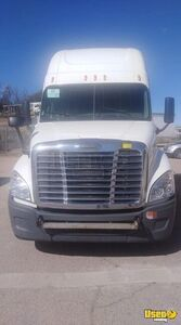 2010 Cascadia Freightliner Semi Truck Double Bunk Arizona for Sale